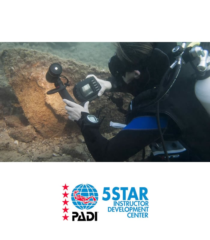 digital underwater photographer padi scuba diving training tenerife