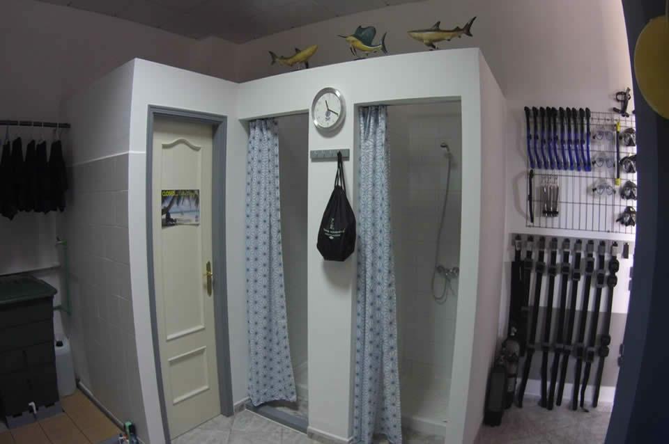 duchas calientes centro de buceo