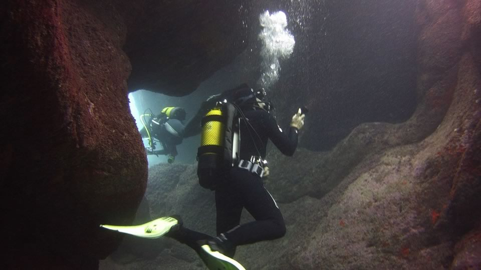 cavern diving tenerife
