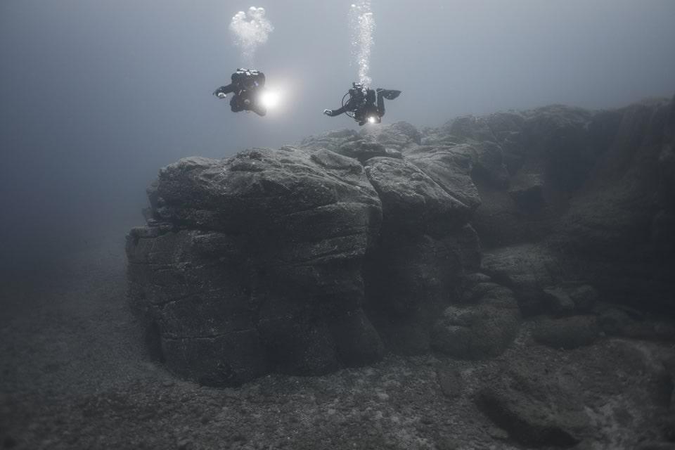 diving tenerife steep walls