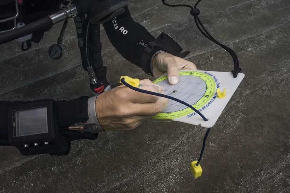 underwater navigator padi